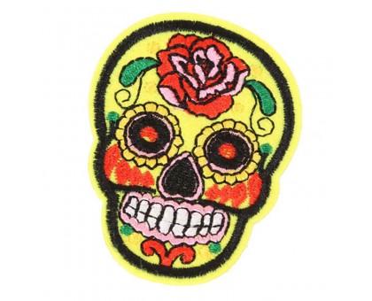 Antsiuvas medžiaginis Skull Yellow; 7.5x5.5cm