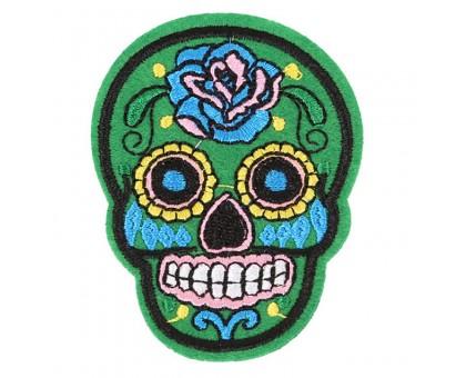 Antsiuvas medžiaginis Skull Green; 7.5x5.5cm