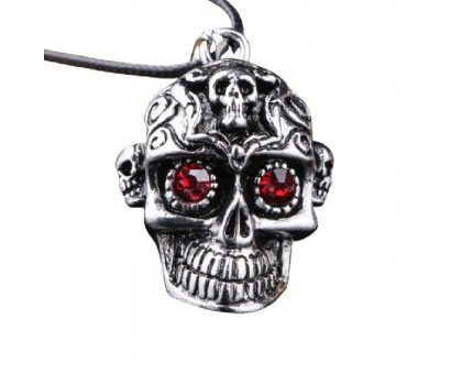 Kaklo papuošalas Red eye skull; 35x25mm